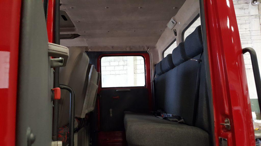 Mercedes Cabine Dupla Mascarello Cabines