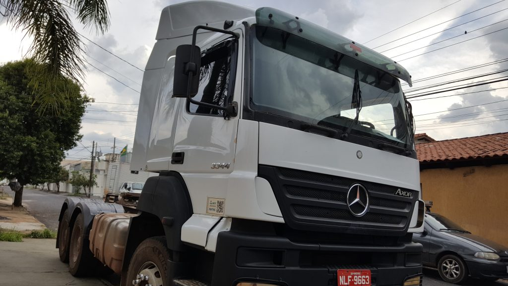 Mercedes Axor Cabine Leito - Mascarello Cabines